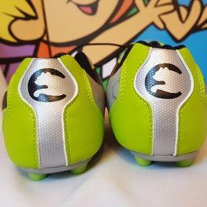 8502e716acbf65 Puma Shoes - PUMA ProCat Youth Green Soccer Cleats Size 12
